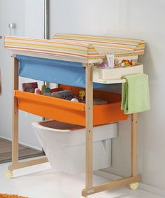 Baby changing table (with bathtub) micuna Baby Changing Tables, Kids Daycare, Kids Zone, Baby Furniture, Little Babies, Baby Boy, House Design, Ideas Para, Babys
