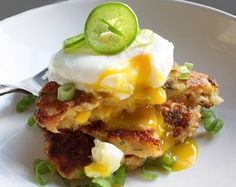 Sevimel discovers that corn fritters are the ideal vehicle for poached eggs. Southwestern flavored corn fritters with a runny poached Gf Recipes, Great Recipes, Favorite Recipes, Recipies, Basic Food Groups, Corn Fritter Recipes, Corn Cakes, Corn Fritters, Good Enough To Eat
