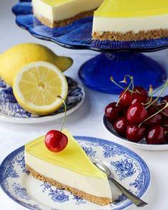 Skikkelig saftige kanelboller - krem.no Croquembouche, Eclairs, Churros, Cheesecake, Food And Drink, Baking, Desserts, Pizza, Tailgate Desserts