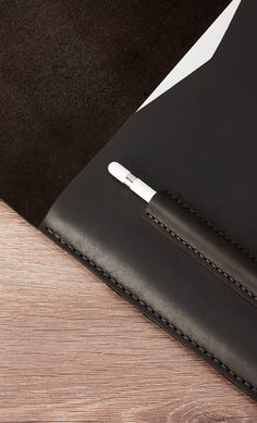 Never fumble around in your bag for that Apple Pencil again because we now have built an Apple Pencil holder directly into the leather case. Take a look at this mens leather case here.