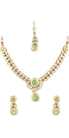 Green Kundan Necklace Set.