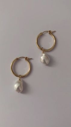 Minimalist Jewelry, Minimalist Fashion, Small Businesses, Sustainable Fashion, Pearl Earrings, Personalized Items, Pearls, Instagram, Pearl Studs