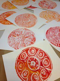 radial design monoprints using a foam picnic plate http://www.pinterest.com/dirigo/montessori-art-ideas/