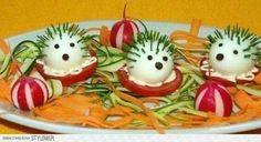 Inšpirujte sa a vytvorte prekrásne predjedlá ktoré zaujmu - Báječné recepty Cute Snacks, Snacks Für Party, Cute Food, Good Food, Fruit Decorations, Food Decoration, Food Carving, Food Garnishes, Garnishing