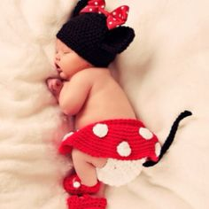 @Brittni Campos-i find this so cute and can we do this to your future child please?!?!? i just love it.