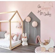 So beautiful 💕 by @home_deco_addict  #pink #boysroom #gutterom #girlsroom #jenterom #interiør #inspo #barnerom #barneinteriør #barneinspo #barneromsinteriør #gravid #nyfødt #newborn #babyroom #barsel #mammaperm #mammalivet #småbarnsliv #interior #kidsinspo #kidsinterior #kidsdecor #nursery #nurserydecor #barnrum