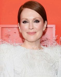 """Hung Vanngo no Instagram: """"@juliannemoore tonight for @time #TIME100 Gala 💕💞✨⚡️💫 Styled by @lesliefremar @givenchyofficial 💇 @marcusrfrancis 💄 @hungvanngo"""" Time 100, Makeup, Instagram, People, Style, Beauty, Fashion, Make Up Looks, Make Up"""