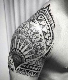 Tatuagens lucas lucco, tatuagem ombro masculina, tatuagem no ombro, tatuage Mandala Tattoo Men, Maori Tattoo Arm, Z Tattoo, Doodle Tattoo, Samoan Tattoo, Arm Band Tattoo, Ems Tattoos, Body Art Tattoos, Tribal Tattoos