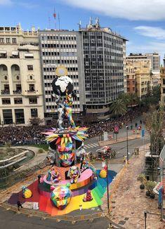 Artist Okuda San Miguel Sets a Sculpture Aflame for the Falles Festival in Valencia (Colossal) Valencia, Salvador Dali, Art Public, Festivals, Okuda, Colossal Art, Fire Art, Environmental Art, Street Art Graffiti