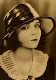 ZaSu Pitts, 1923.