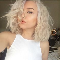 Gorgeous platinum blonde bob on @claudiasroka