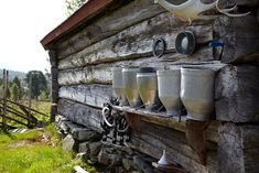 OLD FJØSET KEEPS GOING: barn from 1786 is still in use. It originally consisted of 14 booths. Since cows are larger today, it is now a maximum of up to eight.