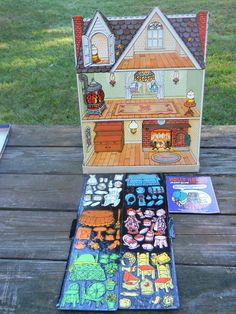 vintage Holly Hobbie Magic Glow Doll House COLORFORMS.