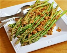 Andalusian Asparagus: a great, tasty way to spruce up this spring veggie. Vegan, dairy-free, gluten-free.