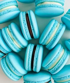 Macarons, Light Blue Aesthetic, Chocolate Chip Recipes, Easter Eggs, Favorite Color, Yummy Food, Sweets, Desserts, Happy Friday