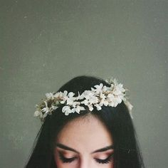 Photography Girl with flower crown Tumblr Photography, Portrait Photography, Photography Flowers, Hair Photography, Grunge Photography, Amazing Photography, Style Tumblr, Tumblr Girls, Mode Inspiration