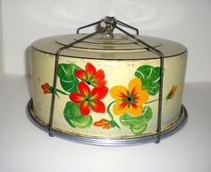 VINTAGE CAKE CARRIER Carlton 1930s by AGYPSYWORLD on Etsy, $33.00 Pie Carrier, Vintage Cake Plates, Cake Holder, Pie Bird, Chabby Chic, Hearth And Home, Pie Plate, Cake Tins, Vintage Kitchen