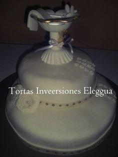 torta de bautizó con copa bautismal