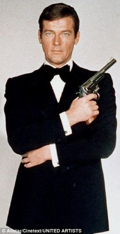 """Roger Moore was the new James Bond in """"LIVE AND LET DIE"""" (Guy Hamilton, 1973), the character that would evolve, giving it a more friendly and less dangerous personality, emphasizing the elements of comedy."""