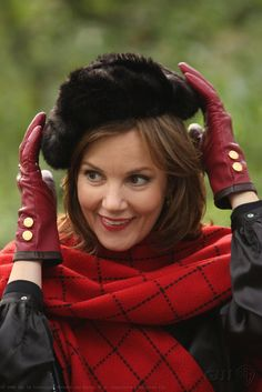 "Margaret Colin as Eleanor Waldorf ""Roman Holiday"""