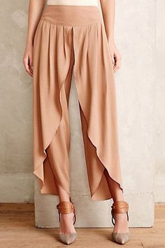 Anthropologie Cropped Tulip Trousers Sz 2 Neutral Beige Flowy Pants By Elevenses #Elevenses #DressPants