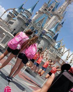 Quién tiene fotos frente al castillo? Subila con el hashtag #enjoy15 y etiquetanos... Queremos verlas!