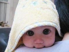 baby with big eyes! cutest thing ever!