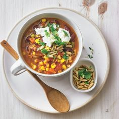 """Chili """"sin Carne"""" mit Pinienkernen - """"Die vegetarische Variante steht dem Chili con Carne in nichts nach und schmeckt mindestens genauso gut. Unbedingt ausprobieren!"""" My Favorite Food, Favorite Recipes, Chana Masala, Food To Make, Curry, Ethnic Recipes, Soups, Golf, Chili Con Carne"""