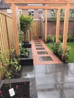 55 ideas for backyard patio pavers house, Terrace Garden, Garden Paths, Garden Beds, Back Gardens, Small Gardens, Backyard Patio, Backyard Landscaping, Recycled Garden, Terrace Design
