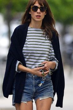 Denim Shorts outfit ideas, casual outfit inspiration. See more street style images here www.herstyledview.com