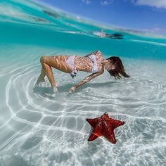 Swimming in the Bahamas | Photo by: @elenakalis @_bahamasgirl_