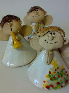 Prodané zboží od Akoča a Ufola / zvonky a zvonečky Ceramic Clay, Ceramic Pottery, Clay Ornaments, Christmas Ornaments, Clay Angel, Pottery Angels, Clay Crafts For Kids, Ceramic Angels, Angel Crafts