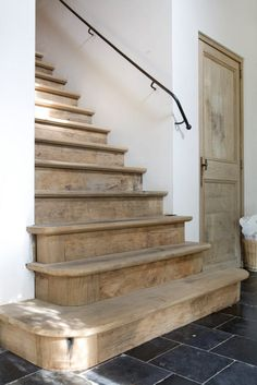 Inventive Staircase Design Tips for the Home – Voyage Afield Casa Hotel, Stairway Decorating, Decorating Ideas, House Stairs, Staircase Design, Cheap Home Decor, Stairways, Architecture Details, My Dream Home