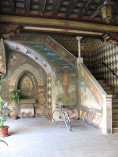 Cremona, Lombardy, Italy - cortile di Casa Sperlari