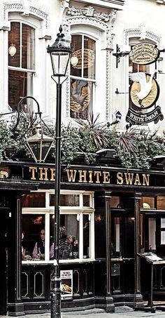 The White Swan pub, New Row, Covent Garden, London England And Scotland, England Uk, London England, British Pub, London Pubs, London Cafe, London Food, Lokal, Pub Crawl