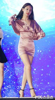 Kpop Girl Groups, Korean Girl Groups, Kpop Girls, Kpop Fashion, Korean Fashion, Girl Fashion, Stage Outfits, Kpop Outfits, K Pop