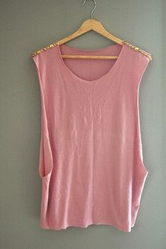 great way to use an old baggy t shirt