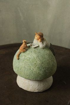 その他 082 Clay Dolls, Art Dolls, Ceramic Pottery, Pottery Art, Mushroom Art, Cement Crafts, Clay Art, Japanese Art, Sculpture Art