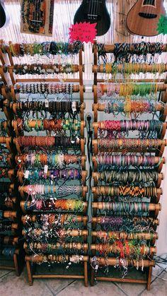 Bracelets , necklaces, etc Summer Bracelets, Cute Bracelets, Leather Bracelets, Handmade Bracelets, Jewelry Bracelets, Cute Jewelry, Jewelry Accessories, Estilo Hippie, Happy Vibes