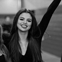 Image shared by Kahina ♡. Find images and videos about selena gomez, singer and Queen on We Heart It - the app to get lost in what you love. Selena Gomez Cute, Selena Gomez Fotos, Selena Gomez Pictures, Selena Gomez Style, Selena Gomez Smiling, Selena And Taylor, Alex Russo, Foto Casual, Marie Gomez