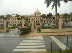 Santo Domingo, Dominican Republic: Parte trasera del Palacio de Gobierno de la República Dominicana (1)