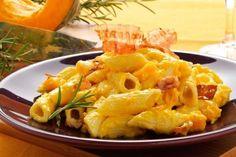 Pasta con la zucca e pancetta Pesto Pasta, Ricotta, Crepes, Italian Recipes, Macaroni And Cheese, Food And Drink, Meat, Cooking, Ethnic Recipes