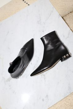Modern beat boot with added glory Black Chelsea Boots, Black Leather Boots, Designing Women, Designer Shoes, Modern, Shopping, Fashion, Moda, Trendy Tree