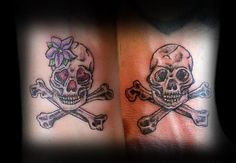 Matching skull and crossbone tattoos my husband and I got for our anniversary :) Tattoo Drawings, I Tattoo, Girly Skull Tattoos, Human Heart Tattoo, Totenkopf Tattoos, Skull Leggings, Skull And Crossbones, Couple Tattoos, Tattoos For Women