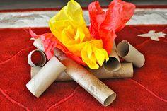 un feu de camp : rouleau de papier toilette et de sopalin pour les bûches + papier de soie jaune-rouge-orange pour les flammes Sorting Sprinkles: In the Woods for Preschoolers