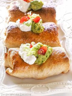 These Baked Chicken Chimichangas are a healthier twist on the old classic chimichanga recipe. You won't even miss these Baked Chicken Chimichangas being fried because they get nice and crispy in this oven-fried version! Healthy Mexican Recipes, Spicy Mexican Food, Chicken Leftover Recipes Healthy, Vegetarian Mexican, Vegetarian Recipes, Healthy Food, Mexican Dishes, Mexican Meals, Mexican Chicken