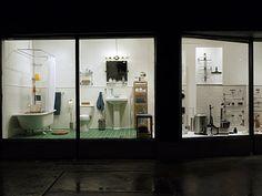 iQliving bathroom window display