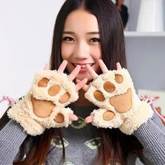 Buy 'Home Simply – Paw Fleece Mittens' with Free International Shipping at YesStyle.com. Browse and shop for thousands of Asian fashion items from China and more!
