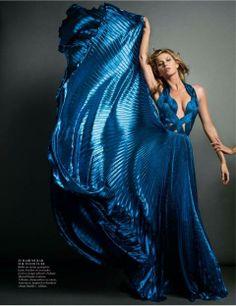 Gisele Bundchen graces the November 2013 cover of Vogue Paris