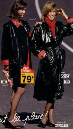 Vinyl Raincoat, Pvc Raincoat, Black Raincoat, Rubber Raincoats, Pvc Coat, Rain Wear, Style Me, Women Wear, Vintage Fashion